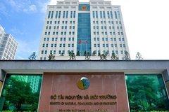 Hàng loạt cán bộ quản lý Bộ TN&MT thiếu bằng cấp chính trị