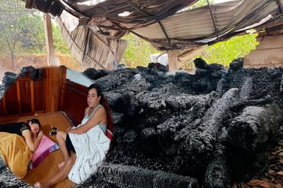 Đại gia phố núi Hà Tĩnh khóc ngất vì kho gỗ hương 17 tỷ cháy thành than