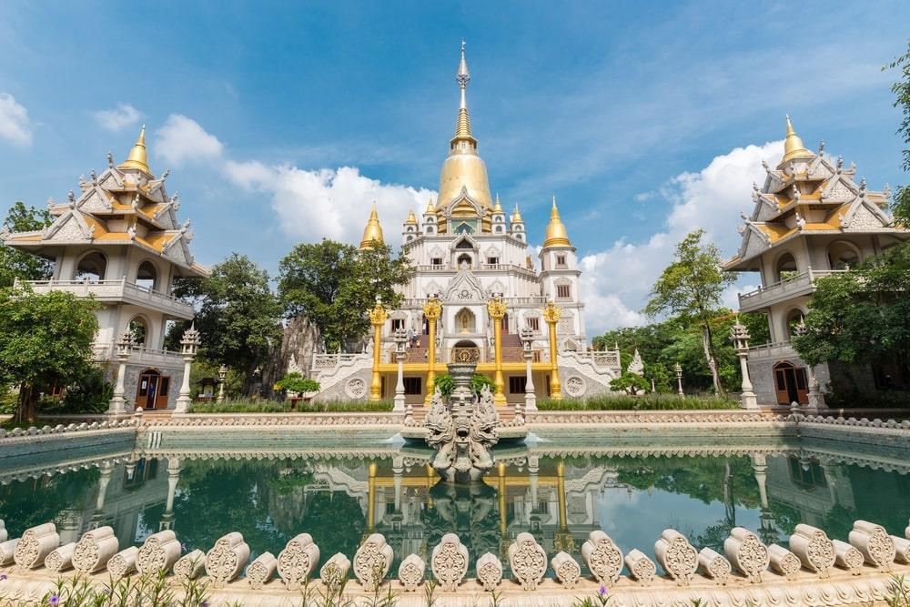 Two Vietnamese pagodas listed among world's top 20 most beautiful