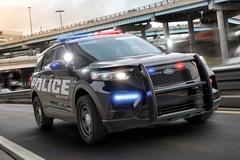 Những bí mật khác thường trong ô tô cảnh sát Mỹ