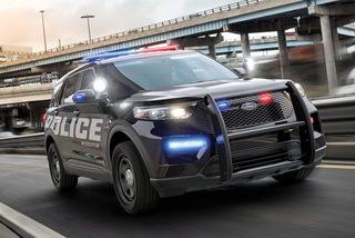 Cảnh sát Mỹ kiện Ford vì lô xe dò khí xả vào trong