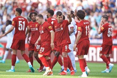 Salah hừng hực tái xuất, Liverpool thổi bay Lyon