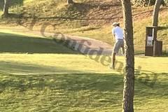 """Bale trốn đi đánh golf lúc Real """"nước sôi lửa bỏng"""""""