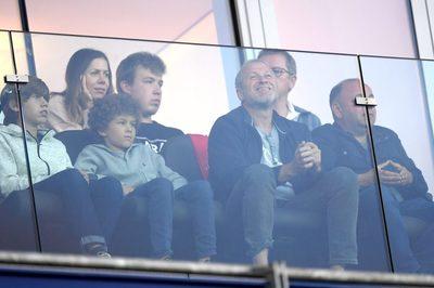Tỷ phú Abramovich cười sướng xem Chelsea đại thắng