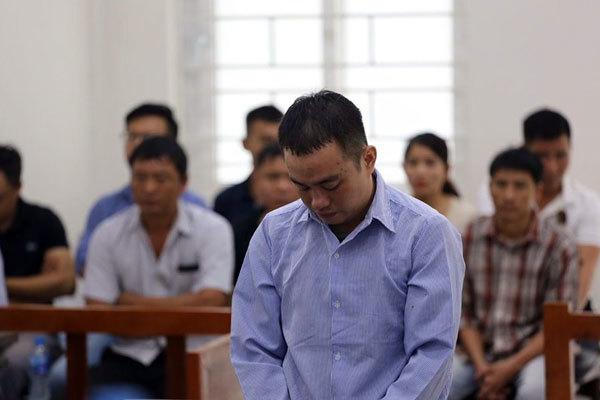 Bố mẹ vợ ở Hà Nội khóc xin tòa nhẹ tay với chàng rể giết con gái