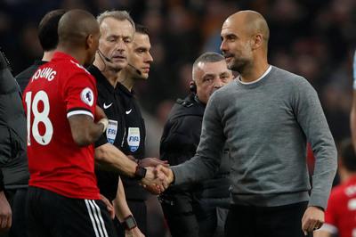 MU bị Man City qua mặt: Guardiola dạy Quỷ đỏ làm bóng đá
