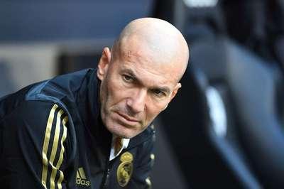 MU mất Pogba càng tốt, Zidane có 2 trận để 'giữ ghế'