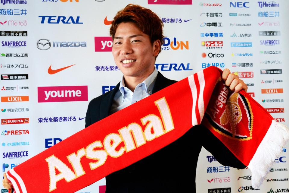 Chelsea tống khứ 'ông kễnh', Arsenal bán tiền đạo Nhật