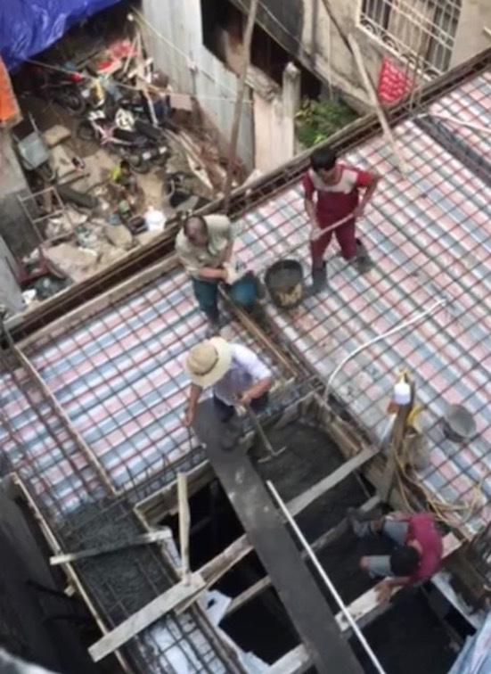 Tận mắt thấy công trình càng đình chỉ càng xây cao giữa trung tâm Hà Nội