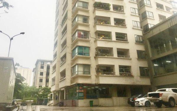 Bảo vệ chung cư bị nghi sàm sỡ 2 bé gái trong thang máy ở Hà Nội