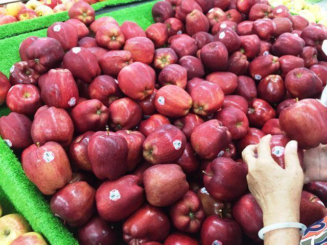 hải sản đắt đỏ,tôm hùm,tôm hùm Alaska,Cua hoàng đế,hoa quả nhập khẩu