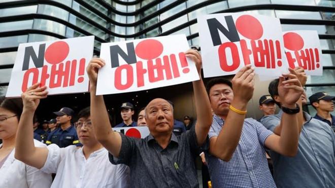 Nhật Bản vừa đưa ra một quyết định khiến Samsung không thể ngồi yên
