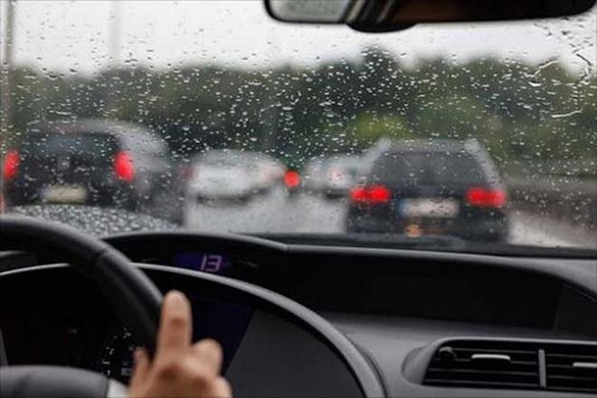 lái xe mùa mưa,kỹ năng lái xe,kinh nghiệm lái xe