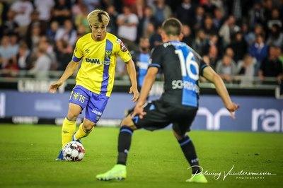 """""""Messi Hàn Quốc"""" sắp cập bến Sint Truiden: Công Phượng gặp khó"""