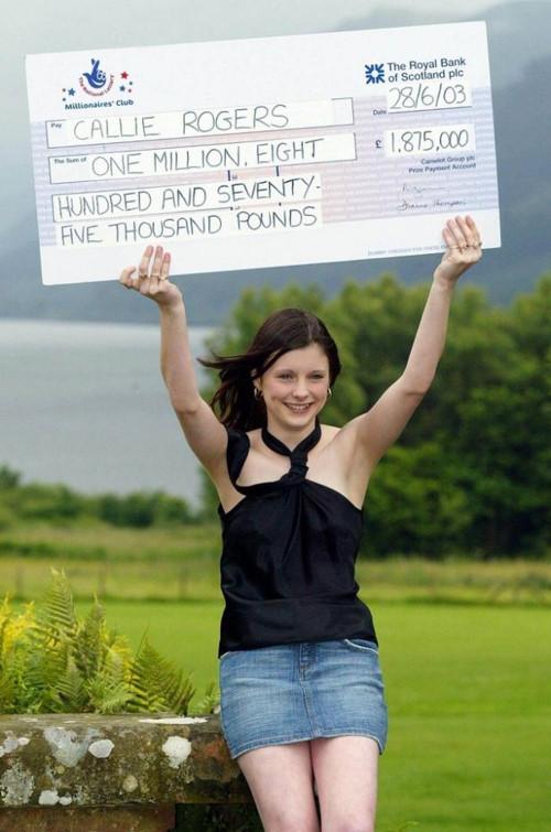 16 tuổi trúng độc đắc 50 tỷ, cô gái trẻ bị hành hạ, săn lùng