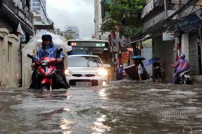Dự báo thời tiết 4/8, Hà Nội mưa gió mịt mù