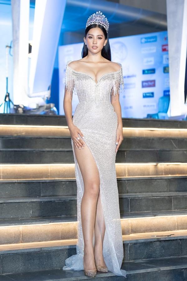 Trần Tiểu Vy, Mai Phương Thúy đọ vòng 1 trên thảm đỏ Miss World Vietnam 2019