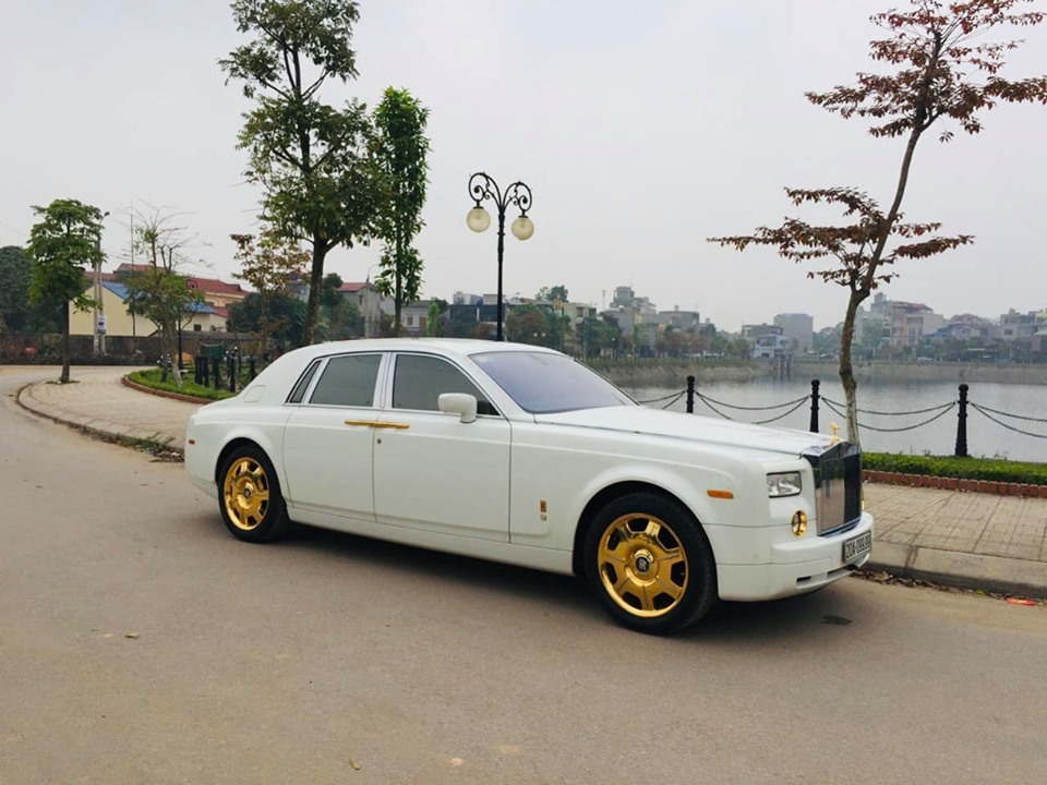 Rolls-Royce Phantom biển tứ quý 9 rao bán hơn 12 tỷ đồng