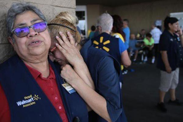 Những hình ảnh chấn động về vụ thảm sát El Paso