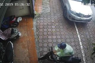 Xem siêu trộm bẻ khóa Honda Wave ở Hà Nội trong tích tắc