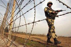 Căng thẳng leo thang, lính Ấn - Pakistan đọ súng ở biên giới