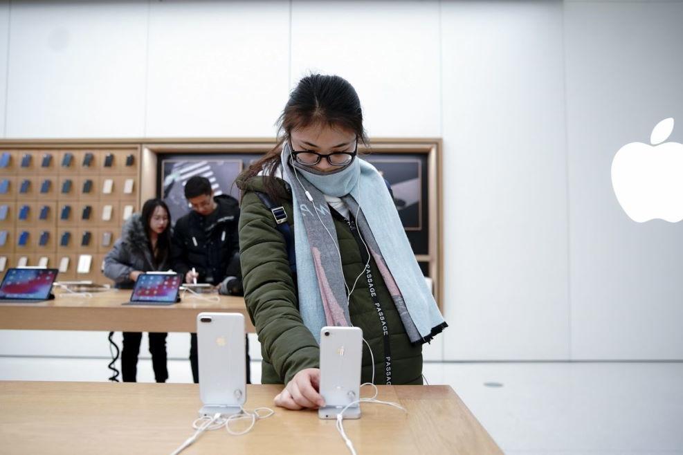 """Apple tiếp tục bị kiện trong """"vụ gian dối thế kỷ"""""""