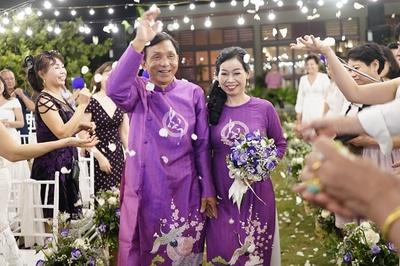 Đám cưới bên biển Thanh Hóa của mẹ đơn thân tuổi 54 và Việt kiều Úc