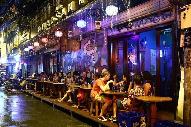 nightlife in hanoi,foreign tourists,ta hien,bia hoi,old quarters,Vietnam environment,climate change in Vietnam,Vietnam weather,Vietnam climate,pollution in Vietnam