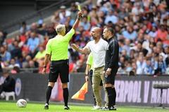 Guardiola nổi cáu trọng tài suýt bị đuổi khỏi sân