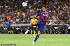 Suarez ghi tuyệt phẩm, Barca thắng ngược Arsenal