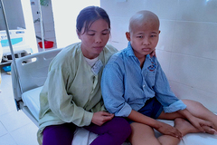 Lời khẩn cầu của người mẹ có 2 con bị ung thư