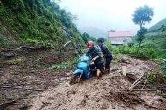 Gần 100 điểm sạt lở, huyện miền núi Thanh Hóa bị chia cắt