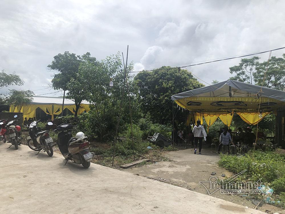 Nhân chứng kể phút con rể cuồng ghen đâm chết bố vợ và anh vợ ở Quảng Ninh