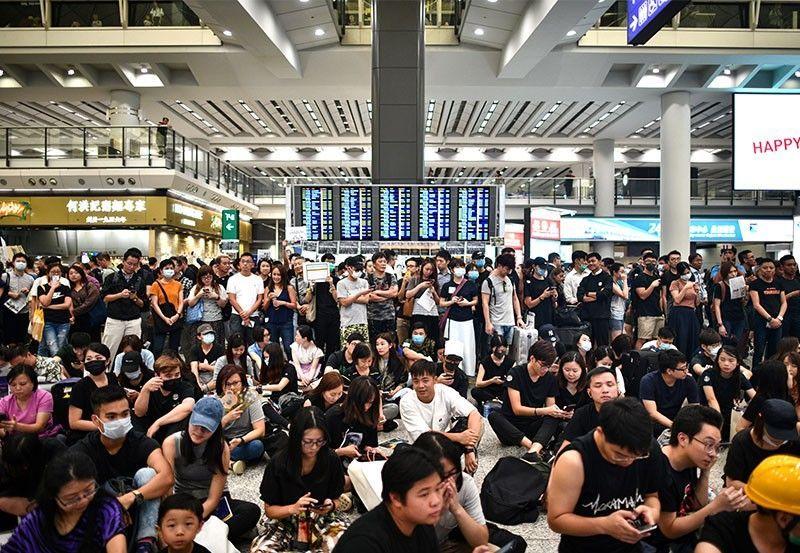 Hong Kong,biểu tình,đình công,sân bay,hàng không,hỗn loạn
