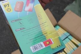 Bắt container phụ kiện điện thoại xuất xứ Trung Quốc mác 'Made in Việt Nam'