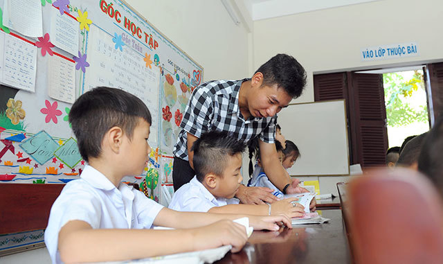 Spreading literacy in Truong Sa
