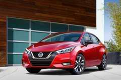 Ô tô Nissan đẹp long lanh giá chỉ 342 triệu