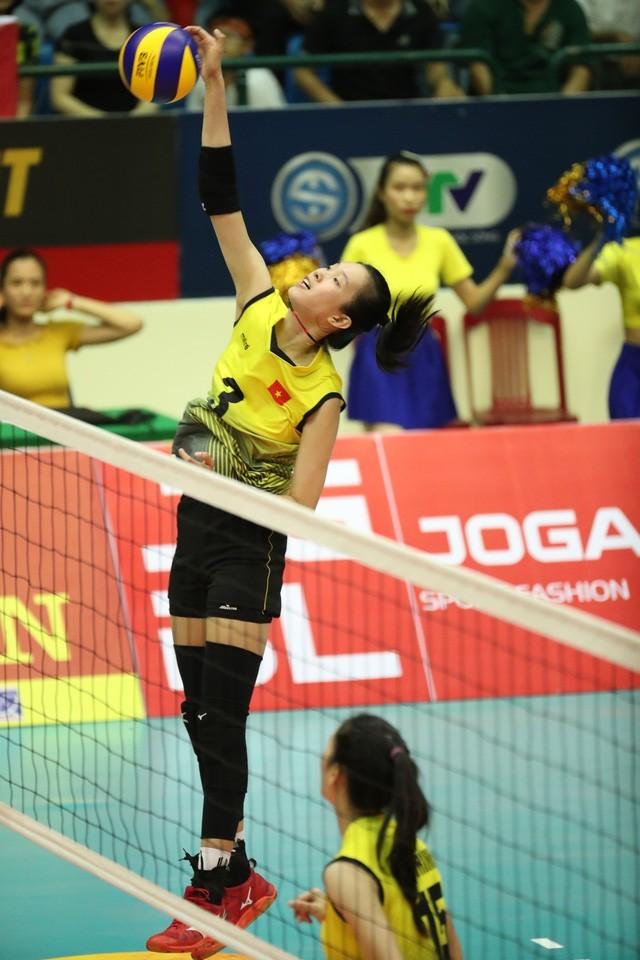 Bóng chuyền VTV Cup: Tuyển nữ  Việt Nam vào bán kết