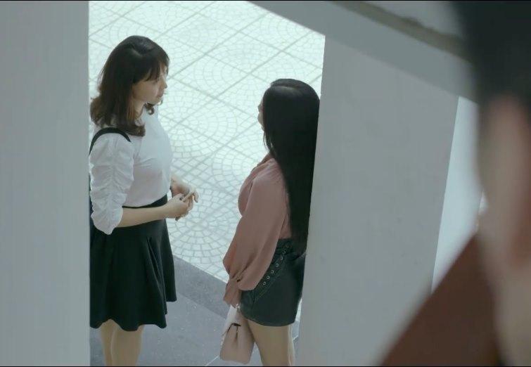 'Hoa hồng trên ngực trái' tập 1, Thái sở khanh cùng lúc làm 2 cô gái có bầu