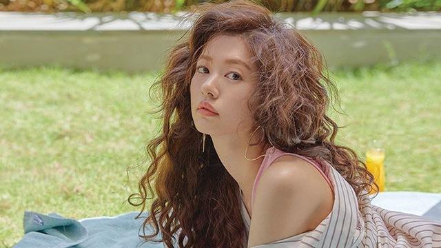 Sao Hàn,Kang Daniel,Jihyo,JYP,YoonA,Song Joong Ki,Park Bo Gum,SEVENTEEN
