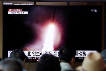 Triều Tiên phóng tên lửa ồ ạt, Hàn Quốc căng thẳng