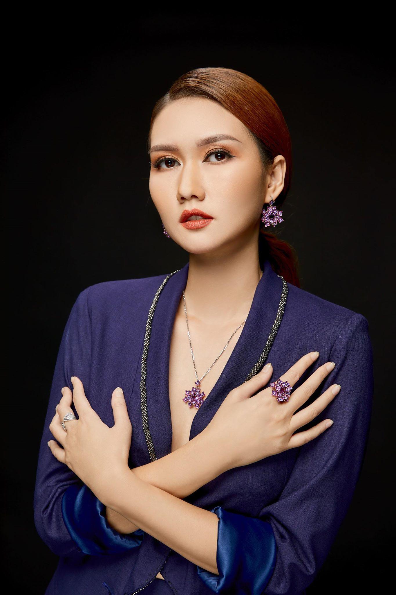 MC Hương Giang chưa có ý định kết hôn với Đình Tú