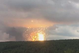 Clip kho đạn Nga nổ như pháo hoa, nhiều người bị thương