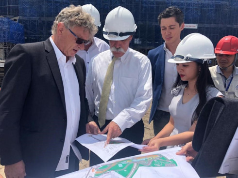 F1 CEO inspects construction of Hanoi's race track