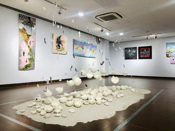 Artists from 16 countries show works at int'l exhibition