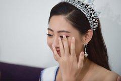Hoa hậu Lương Thùy Linh lần đầu òa khóc trên livestream vì bất ngờ đặc biệt