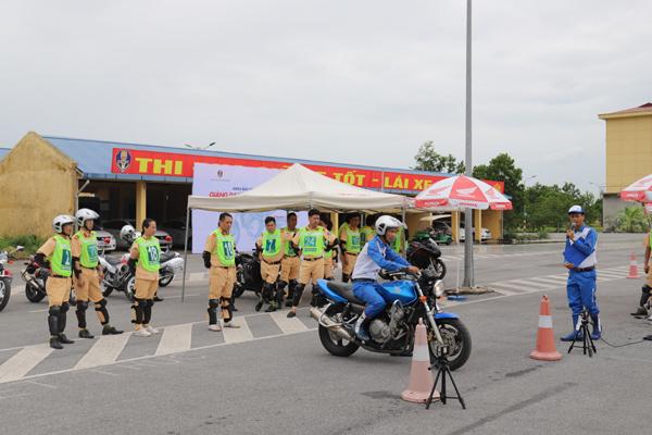 Honda Việt Nam phối hợp đào tạo lái xe an toàn cho cảnh sát giao thông