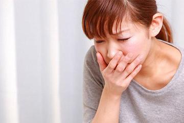4 triệu chứng bất thường khi ăn cảnh báo ung thư đang đến gần