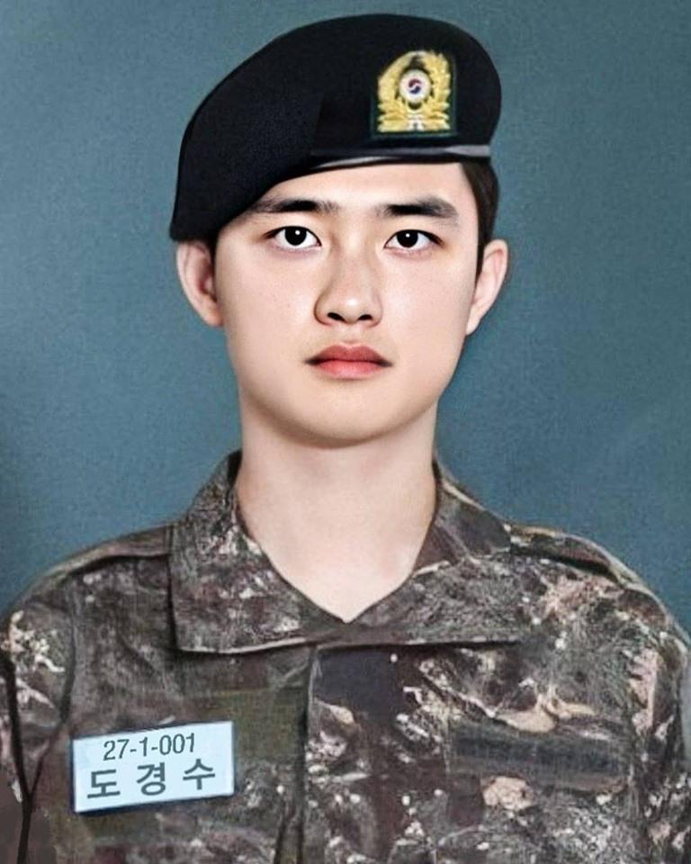 Nam vương Hàn Quốc gây sốc vì nhan sắc chưa qua chỉnh sửa