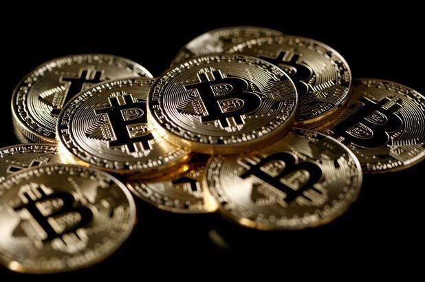 Thương chiến Mỹ - Trung 'hạ sát' chứng khoán, Bitcoin hưởng lợi